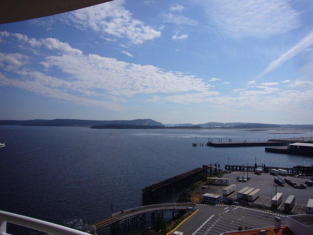 Main Photo: 1602 154 Promenade in The Beacon: Waterfront Condo for sale : MLS®# 283487