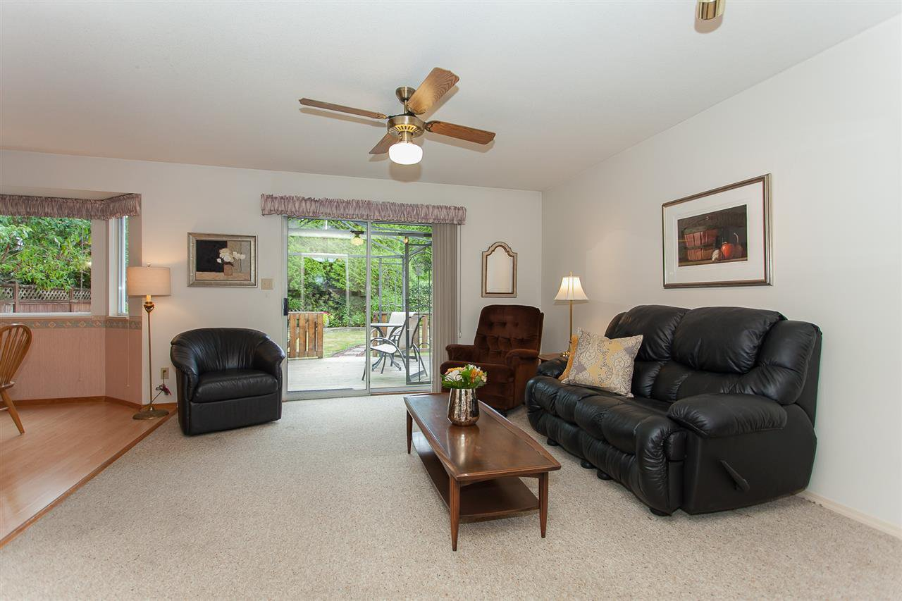 "Photo 12: Photos: 18589 62 Avenue in Surrey: Cloverdale BC House for sale in ""Eaglecrest"" (Cloverdale)  : MLS®# R2208241"