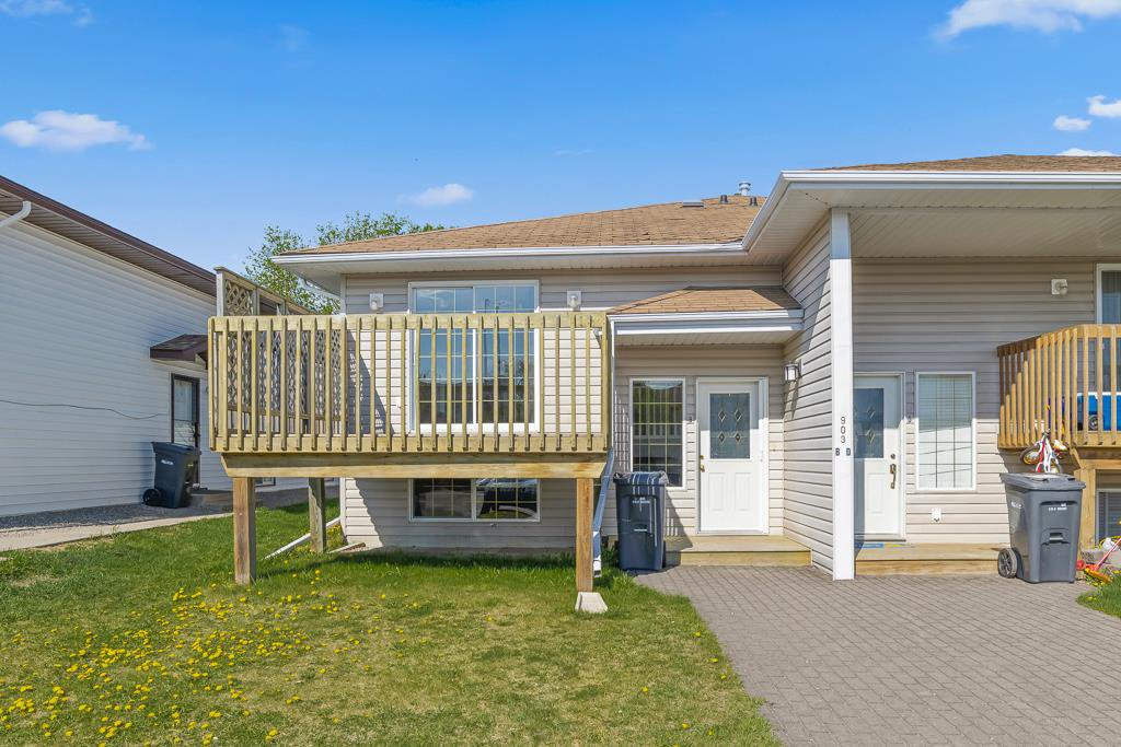Main Photo: 2 903 9 Street: Cold Lake Townhouse for sale : MLS®# E4144991