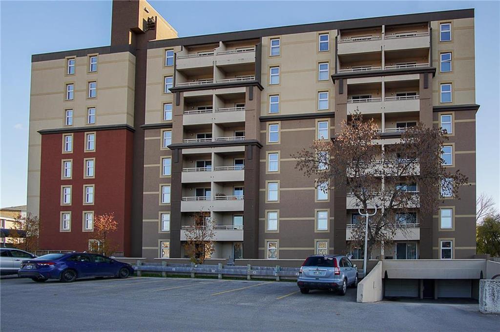 Main Photo: 109 180 Beliveau Road in Winnipeg: St Vital Condominium for sale (2D)  : MLS®# 1930520