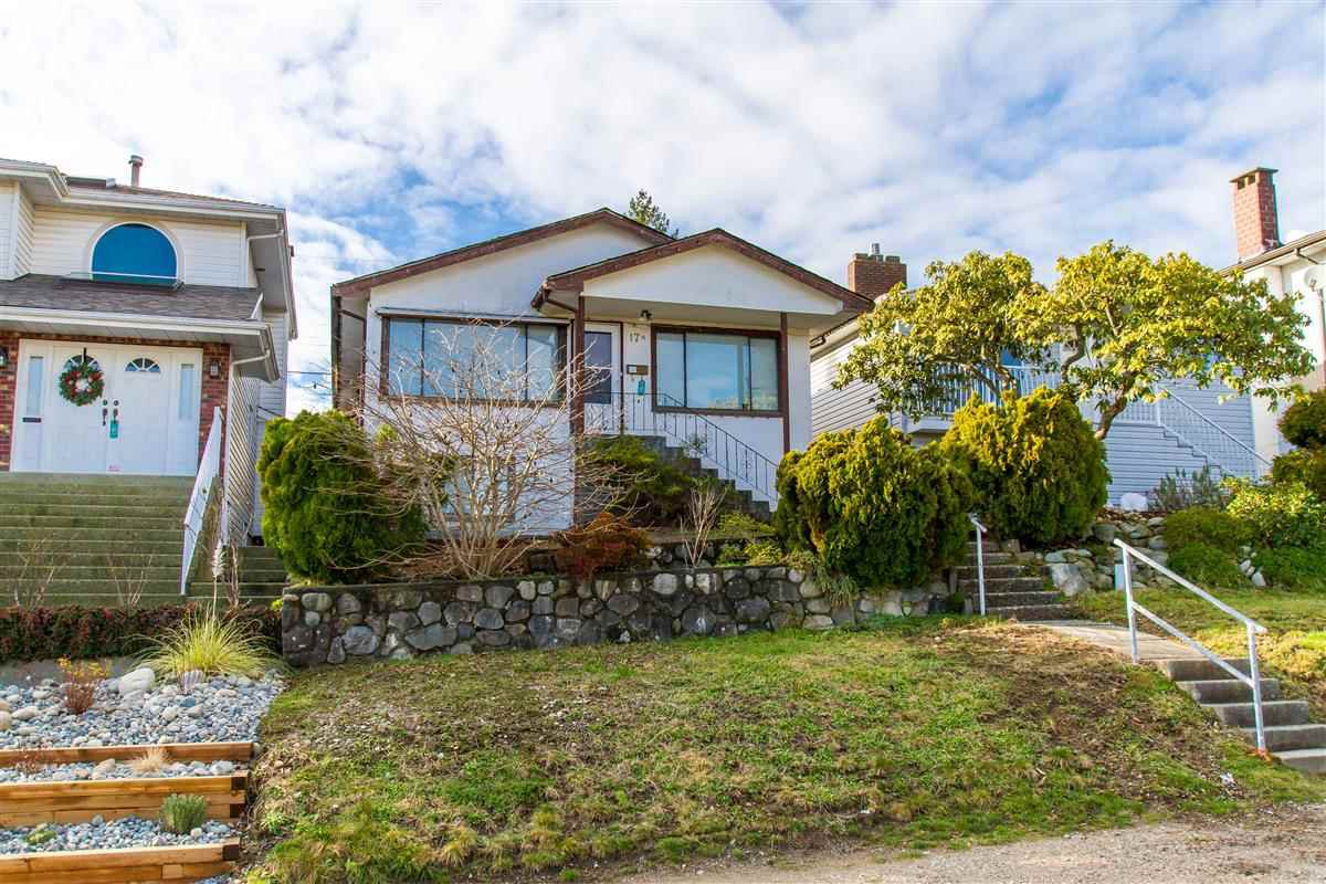 """Photo 2: Photos: 17 N ELLESMERE Avenue in Burnaby: Capitol Hill BN House for sale in """"Capitol Hill"""" (Burnaby North)  : MLS®# R2434347"""