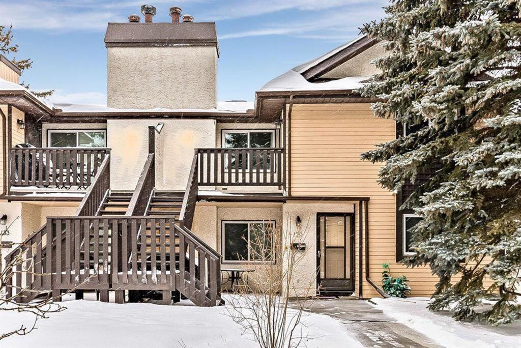 Main Photo: 139 Cedar Springs Gardens SW in Calgary: Cedarbrae Row/Townhouse for sale : MLS®# A1059547