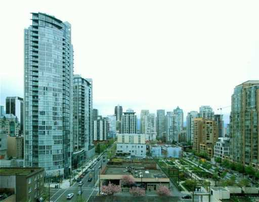"Main Photo: 707 1238 SEYMOUR ST in Vancouver: Downtown VW Condo for sale in ""SPACE"" (Vancouver West)  : MLS®# V586188"