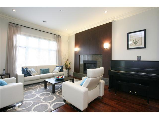 Main Photo: 4106 W 15TH Avenue in Vancouver: Point Grey House for sale (Vancouver West)  : MLS®# V1042546