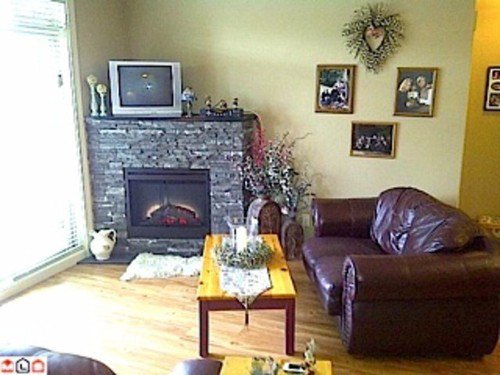 Photo 5: Photos: 102 45615 BRETT Ave in Chilliwack: Chilliwack W Young-Well Home for sale ()  : MLS®# H1301310