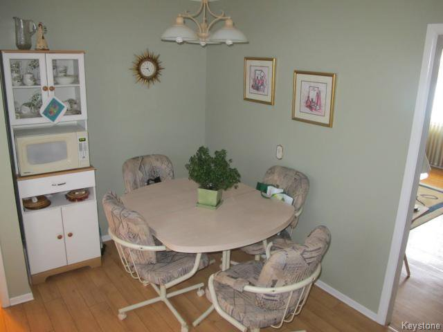 Photo 9: Photos:  in WINNIPEG: Transcona Residential for sale (North East Winnipeg)  : MLS®# 1402119