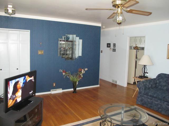 Photo 11: Photos:  in WINNIPEG: Transcona Residential for sale (North East Winnipeg)  : MLS®# 1402119