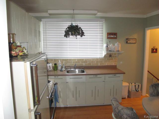 Photo 6: Photos:  in WINNIPEG: Transcona Residential for sale (North East Winnipeg)  : MLS®# 1402119