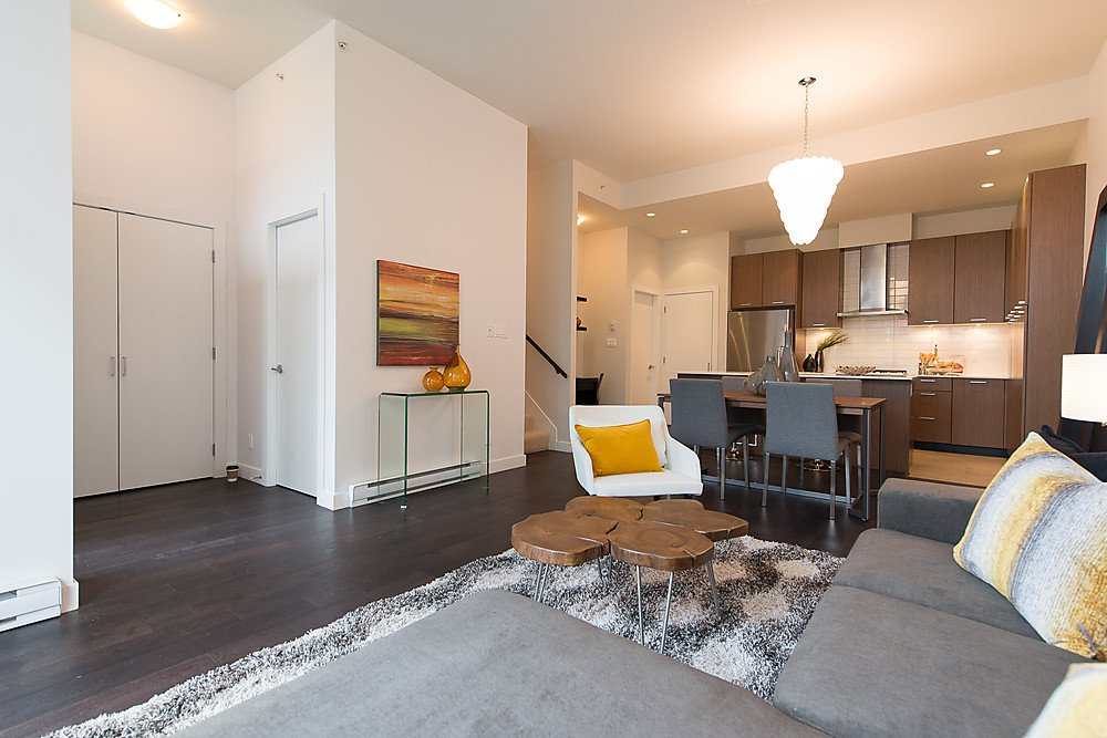 """Photo 4: Photos: 250 E 7TH Avenue in Vancouver: Mount Pleasant VE Townhouse for sale in """"SOCIAL"""" (Vancouver East)  : MLS®# V1053656"""