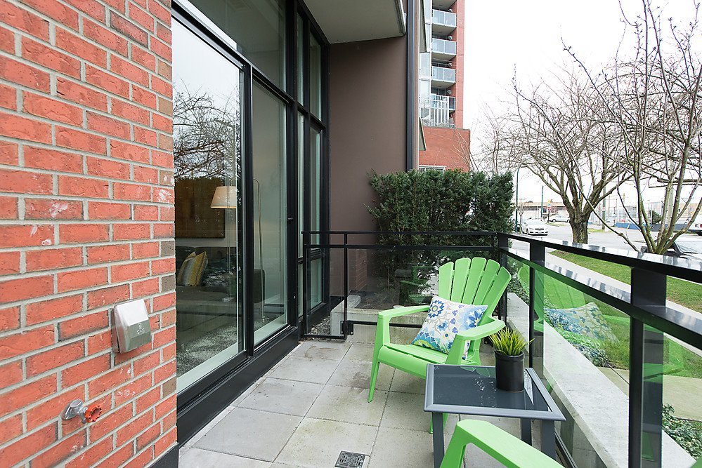 """Photo 25: Photos: 250 E 7TH Avenue in Vancouver: Mount Pleasant VE Townhouse for sale in """"SOCIAL"""" (Vancouver East)  : MLS®# V1053656"""