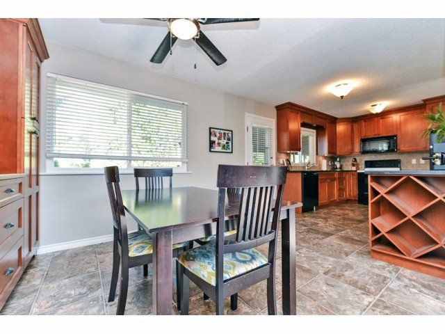 """Photo 9: Photos: 20725 47A Avenue in Langley: Langley City House for sale in """"UPLANDS / CITY PARK"""" : MLS®# F1426773"""