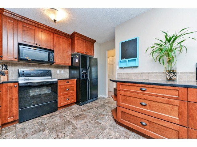 """Photo 6: Photos: 20725 47A Avenue in Langley: Langley City House for sale in """"UPLANDS / CITY PARK"""" : MLS®# F1426773"""
