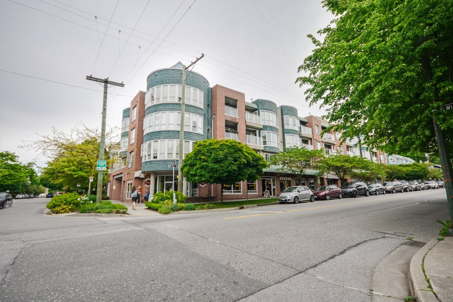 Photo 2: Photos: # 206 789 W 16TH AV in Vancouver: Fairview VW Condo for sale (Vancouver West)  : MLS®# V1065513