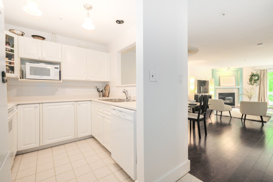 Photo 11: Photos: # 206 789 W 16TH AV in Vancouver: Fairview VW Condo for sale (Vancouver West)  : MLS®# V1065513
