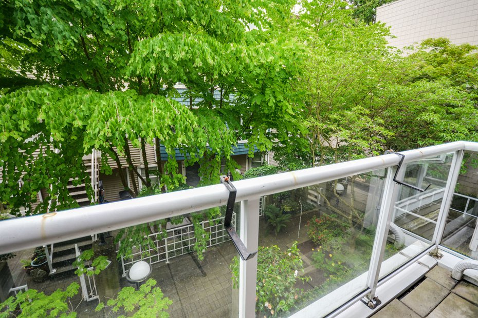 Photo 16: Photos: # 206 789 W 16TH AV in Vancouver: Fairview VW Condo for sale (Vancouver West)  : MLS®# V1065513