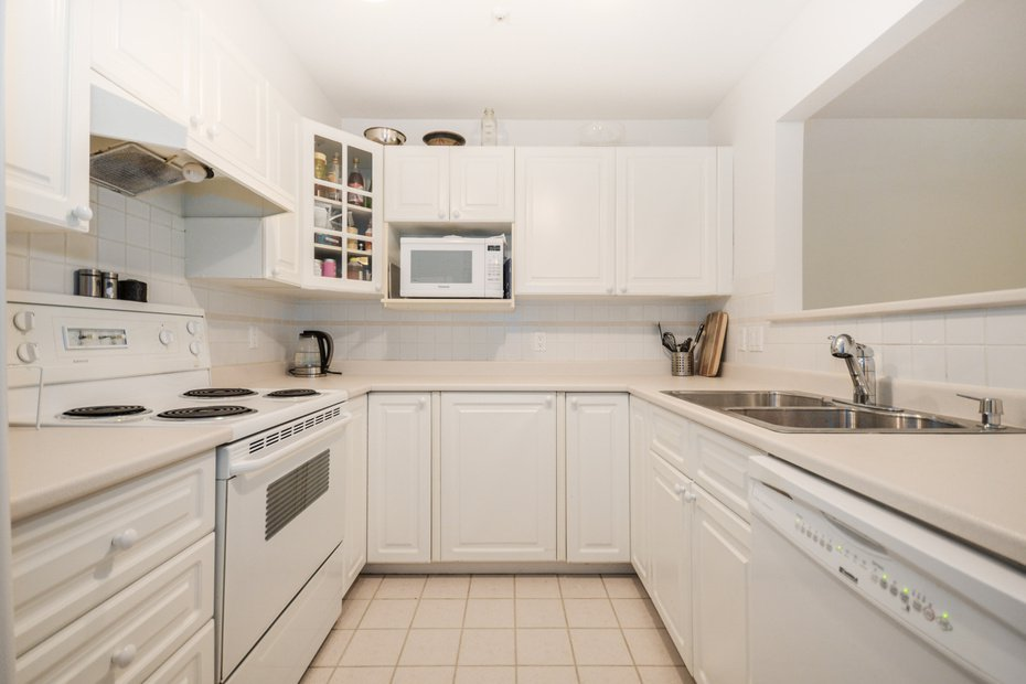 Photo 12: Photos: # 206 789 W 16TH AV in Vancouver: Fairview VW Condo for sale (Vancouver West)  : MLS®# V1065513