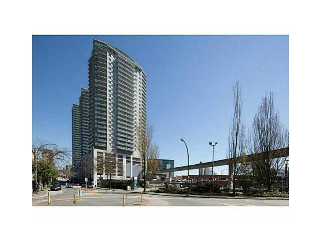 Main Photo: 2102 892 CARNARVON Street in New Westminster: Downtown NW Condo for sale : MLS®# V1126408