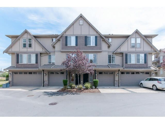 "Main Photo: 29 46321 CESSNA Drive in Chilliwack: Chilliwack E Young-Yale Townhouse for sale in ""CESSNA LANDING"" : MLS®# H2152473"