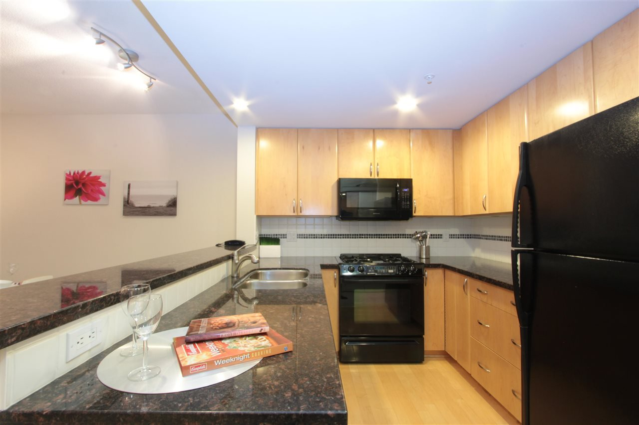 "Main Photo: 601 1428 W 6TH Avenue in Vancouver: Fairview VW Condo for sale in ""SIENNA OF PORTICO"" (Vancouver West)  : MLS®# R2040980"