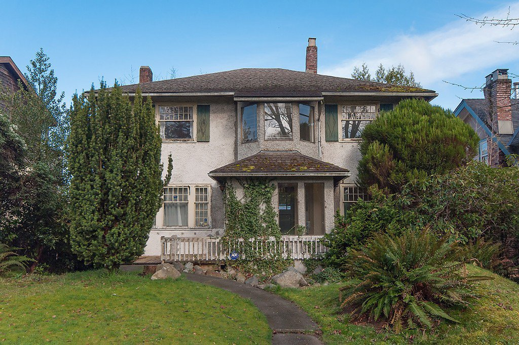 Main Photo: 3929 W 13TH Avenue in Vancouver: Point Grey House for sale (Vancouver West)  : MLS®# R2047305