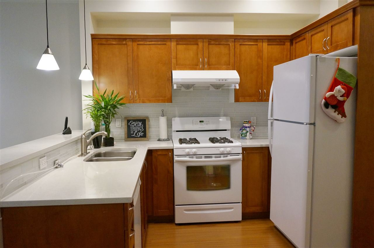 """Photo 4: Photos: 2 7788 ASH Street in Richmond: McLennan North Townhouse for sale in """"JADE GARDENS"""" : MLS®# R2071093"""