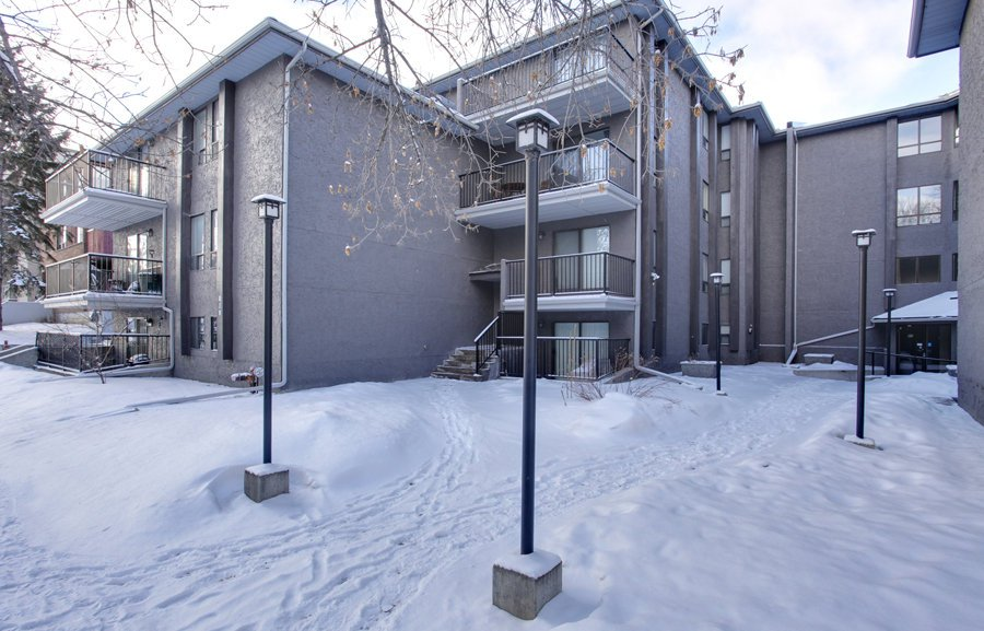 Main Photo: 106 819 4A Street NE in Regal Manor: Apartment for sale : MLS®# C3611396