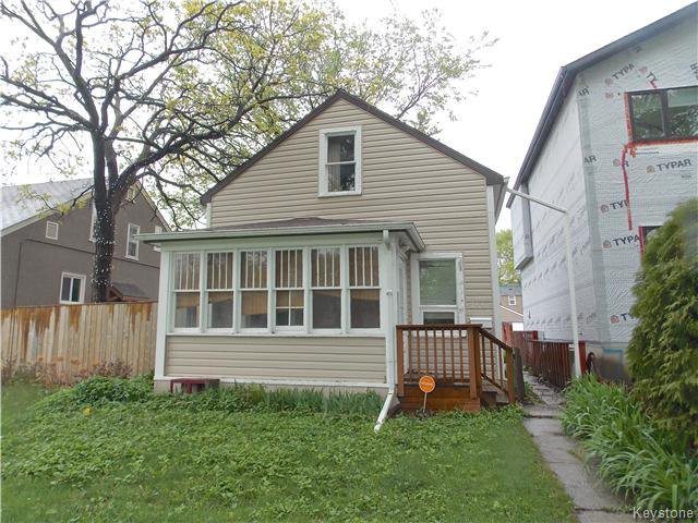 Main Photo: 755 Garwood Avenue in Winnipeg: Crescentwood Residential for sale (1B)  : MLS®# 1713205