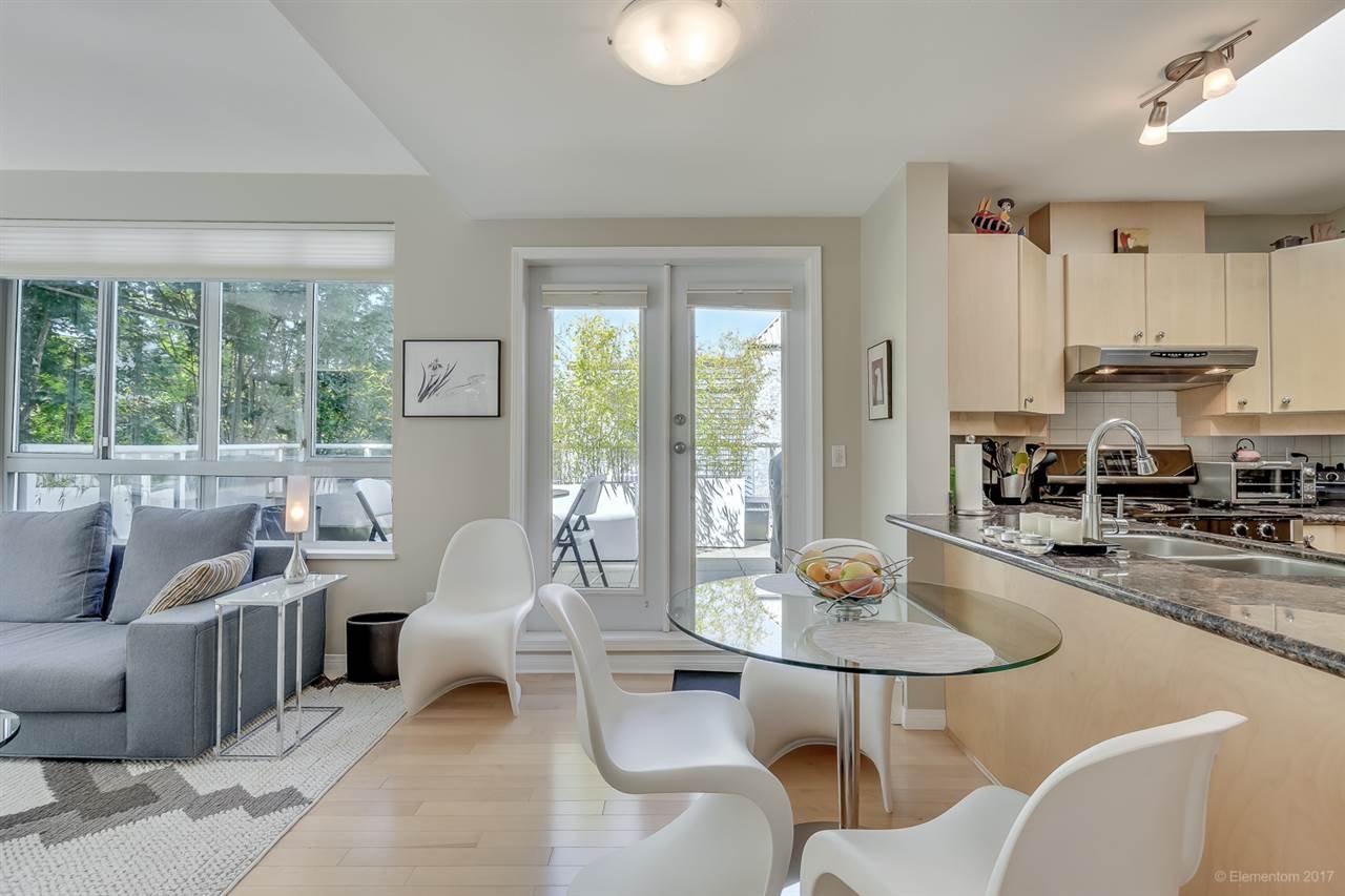 Main Photo: 404 3235 W 4TH Avenue in Vancouver: Kitsilano Condo for sale (Vancouver West)  : MLS®# R2173826