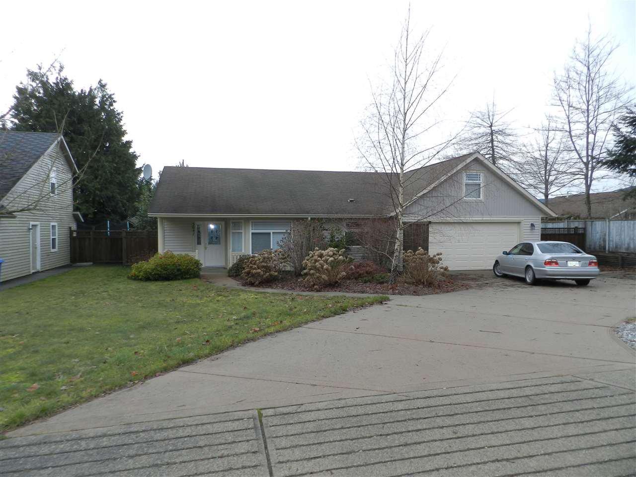 Main Photo: 5641 NICKERSON Road in Sechelt: Sechelt District House for sale (Sunshine Coast)  : MLS®# R2189858