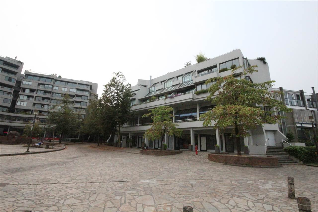 Main Photo: 671A MARKET Hill in Vancouver: False Creek Office for sale (Vancouver West)  : MLS®# C8014547
