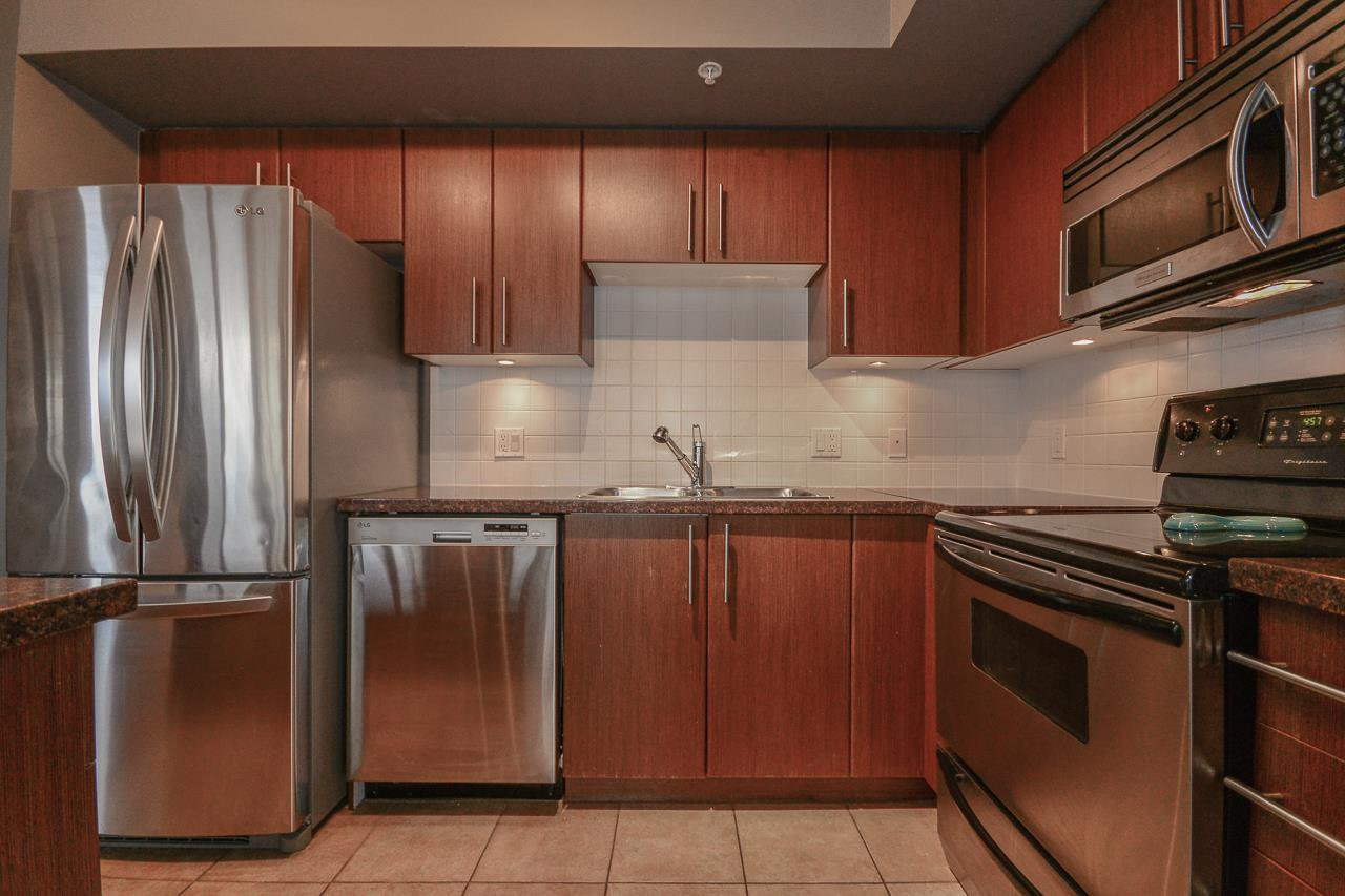 """Photo 6: Photos: 2305 2088 MADISON Avenue in Burnaby: Brentwood Park Condo for sale in """"RENNAISANCE - FRESCO"""" (Burnaby North)  : MLS®# R2215075"""