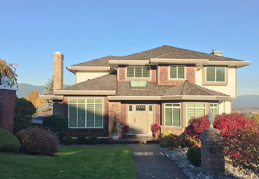 """Main Photo: 670 CLEARWATER Way in Coquitlam: Coquitlam East House for sale in """"Lombard Village- Riverview"""" : MLS®# R2218668"""