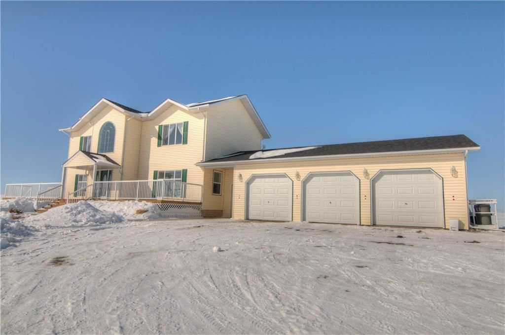 Main Photo: 204042 RR251: Mossleigh House for sale : MLS®# C4171966