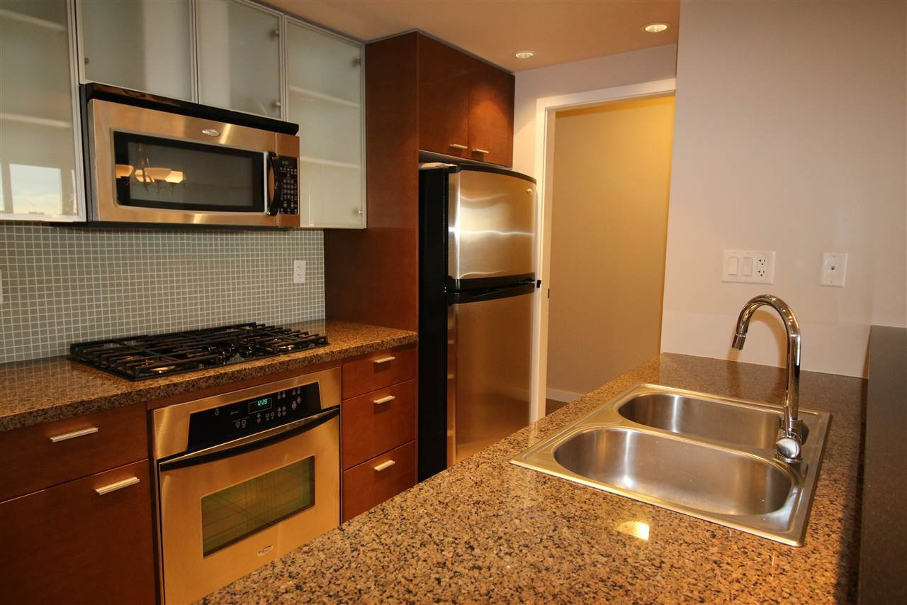 Photo 3: Photos: 980 Cooperage Way in Vancouver: Yaletown Condo for rent (Downtown Vancouver)