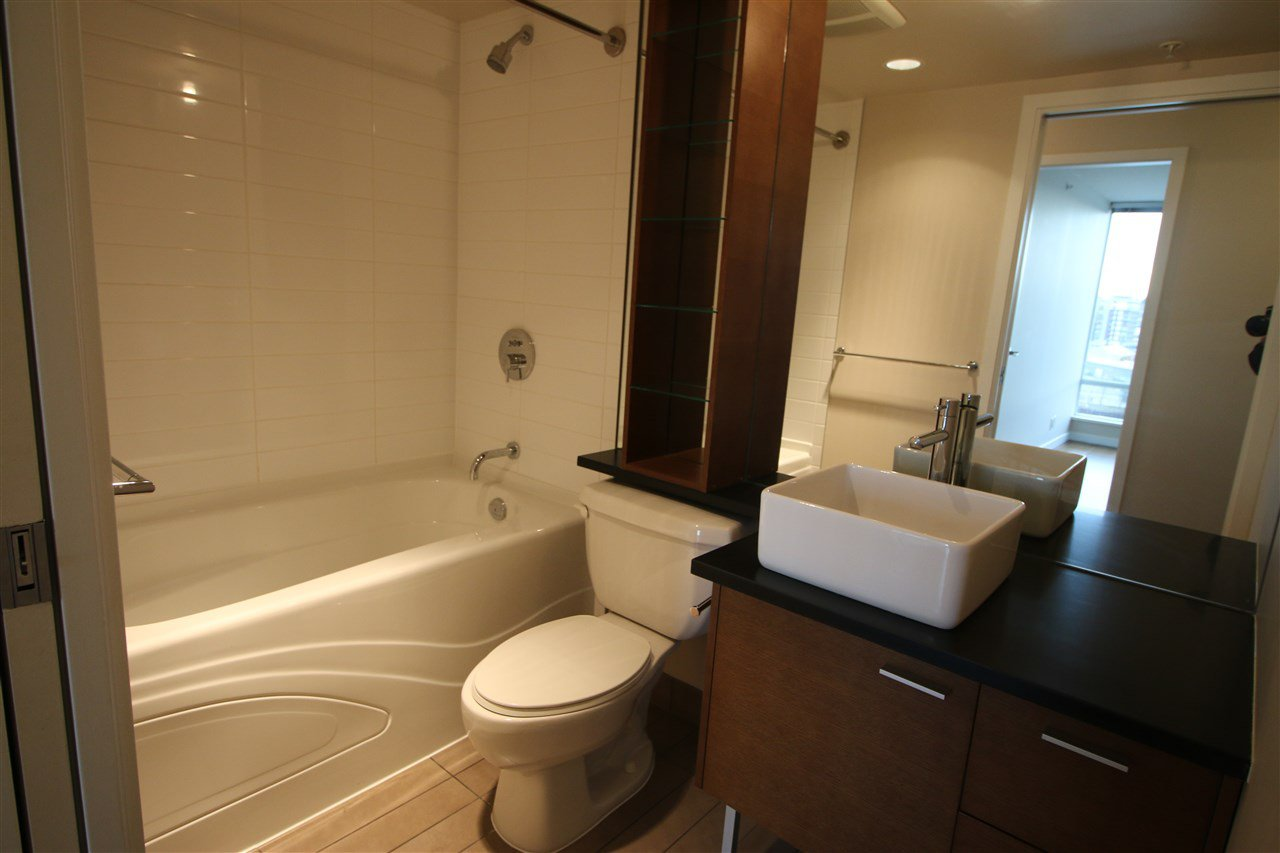 Photo 4: Photos: 980 Cooperage Way in Vancouver: Yaletown Condo for rent (Downtown Vancouver)