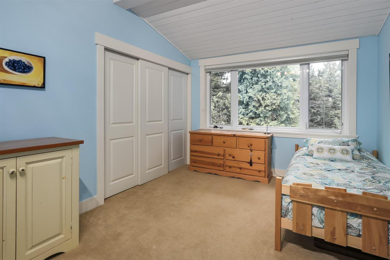 """Photo 18: Photos: 5615 KEITH Road in West Vancouver: Eagle Harbour House for sale in """"Eagle Harbour"""" : MLS®# R2254699"""