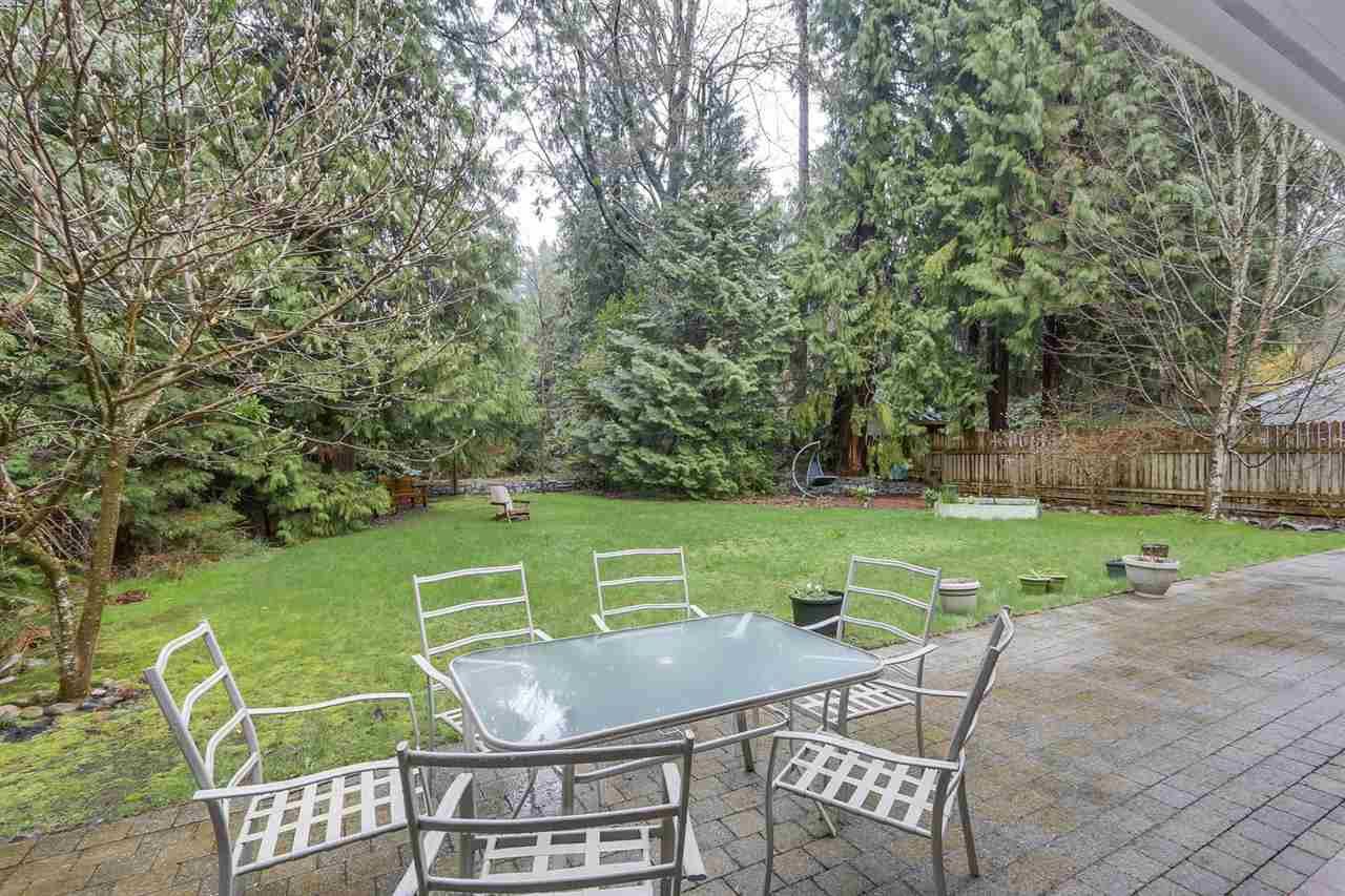 """Photo 9: Photos: 5615 KEITH Road in West Vancouver: Eagle Harbour House for sale in """"Eagle Harbour"""" : MLS®# R2254699"""