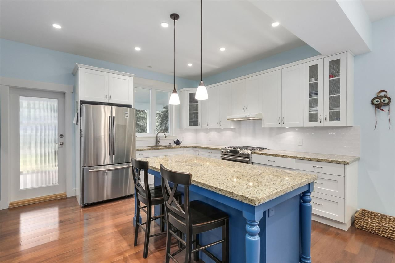 """Photo 5: Photos: 5615 KEITH Road in West Vancouver: Eagle Harbour House for sale in """"Eagle Harbour"""" : MLS®# R2254699"""