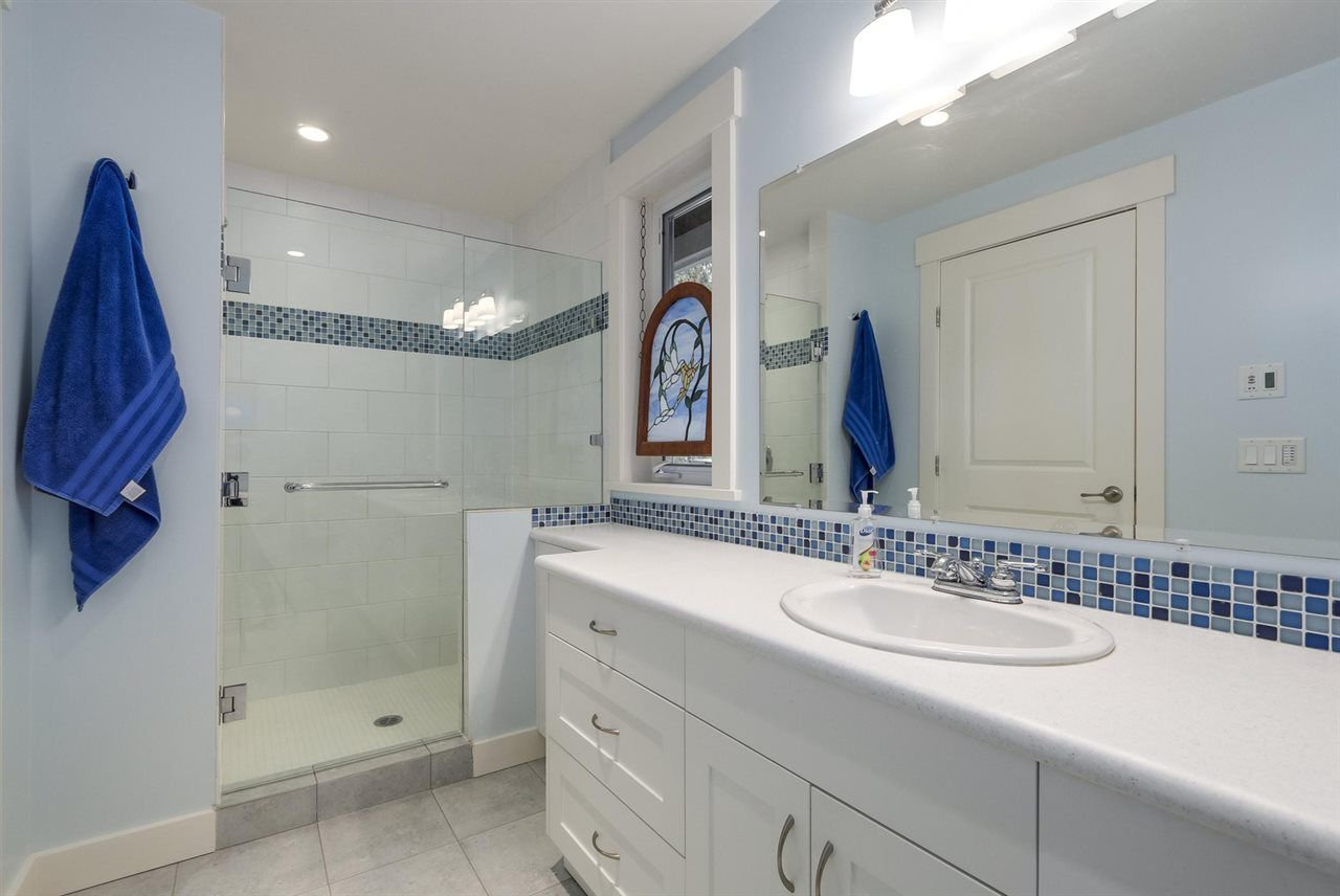 """Photo 15: Photos: 5615 KEITH Road in West Vancouver: Eagle Harbour House for sale in """"Eagle Harbour"""" : MLS®# R2254699"""