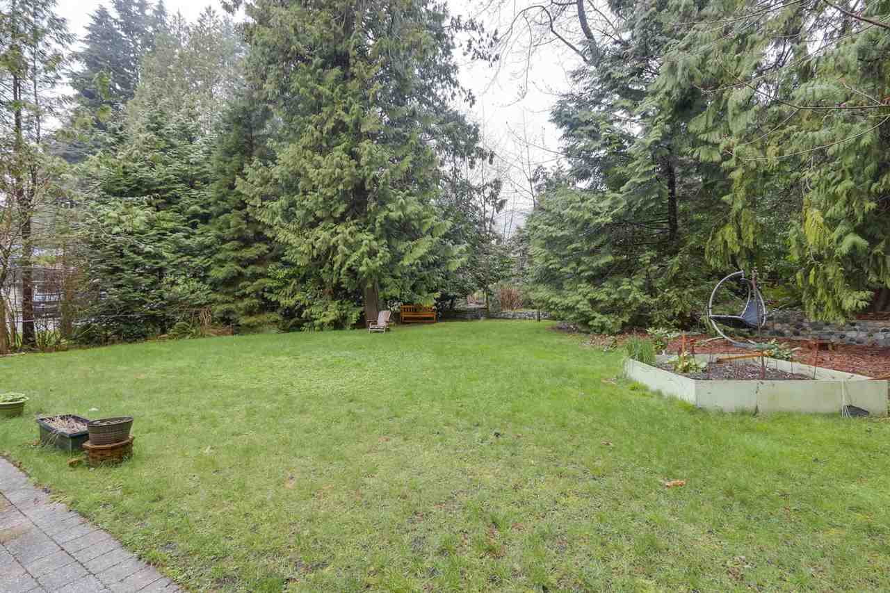 """Photo 11: Photos: 5615 KEITH Road in West Vancouver: Eagle Harbour House for sale in """"Eagle Harbour"""" : MLS®# R2254699"""