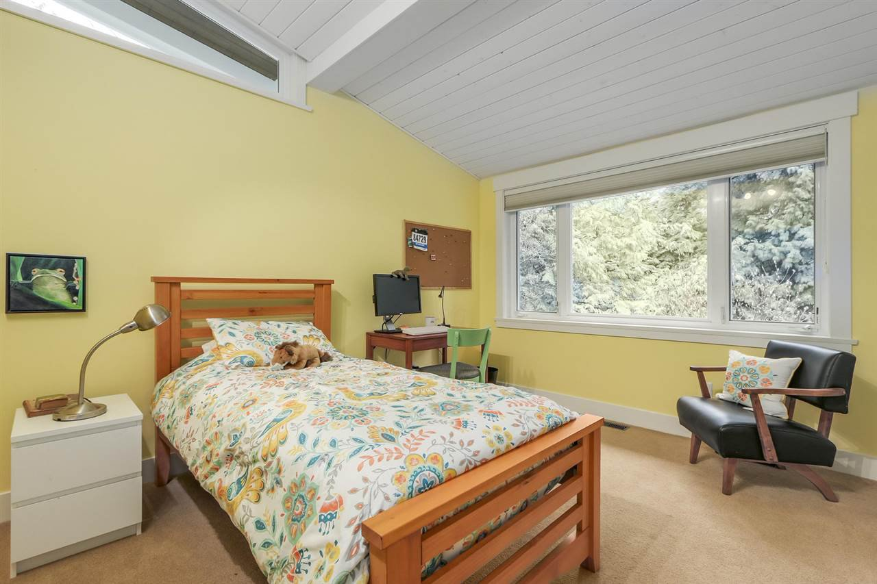 """Photo 17: Photos: 5615 KEITH Road in West Vancouver: Eagle Harbour House for sale in """"Eagle Harbour"""" : MLS®# R2254699"""