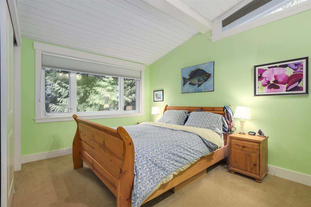 """Photo 16: Photos: 5615 KEITH Road in West Vancouver: Eagle Harbour House for sale in """"Eagle Harbour"""" : MLS®# R2254699"""