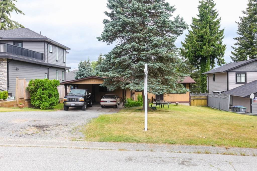 Photo 2: Photos: 7861 SUNCREST Drive in Surrey: East Newton House for sale : MLS®# R2282402