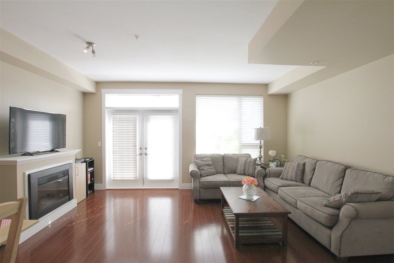 Main Photo: 207 7908 GRAHAM Avenue in Burnaby: East Burnaby Townhouse for sale (Burnaby East)  : MLS®# R2284401