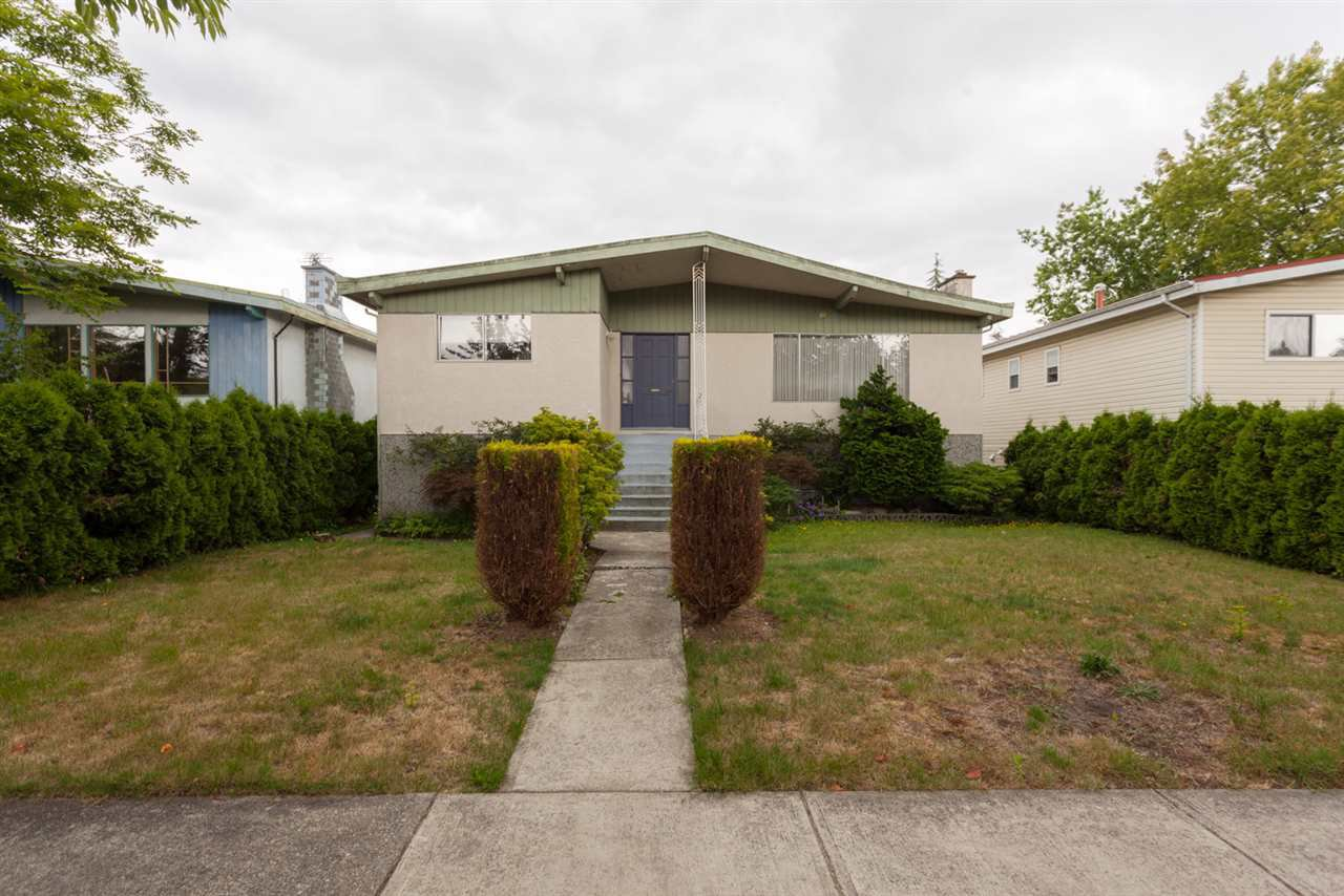 Main Photo: 2516 E 12TH Avenue in Vancouver: Renfrew VE House for sale (Vancouver East)  : MLS®# R2295768