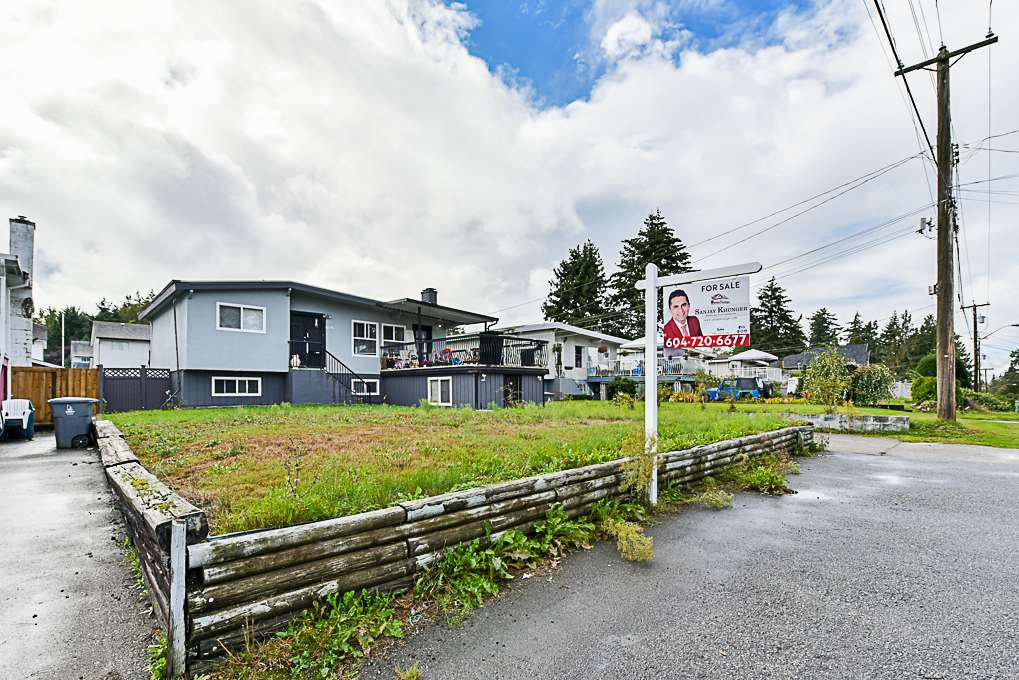 Main Photo: 11862 98A Avenue in Surrey: Royal Heights House for sale (North Surrey)  : MLS®# R2311589