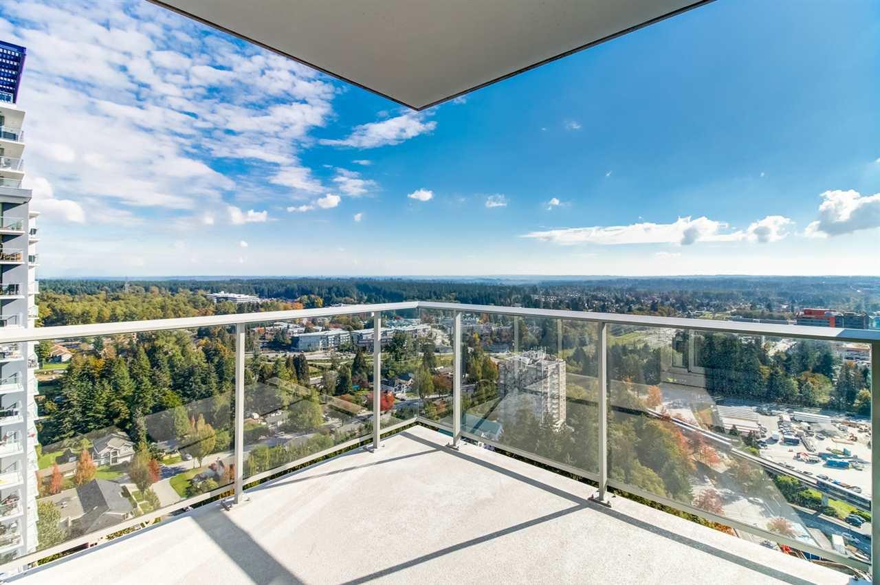 """Main Photo: 4002 13696 100 Avenue in Surrey: Whalley Condo for sale in """"PARK AVENUE"""" (North Surrey)  : MLS®# R2315377"""