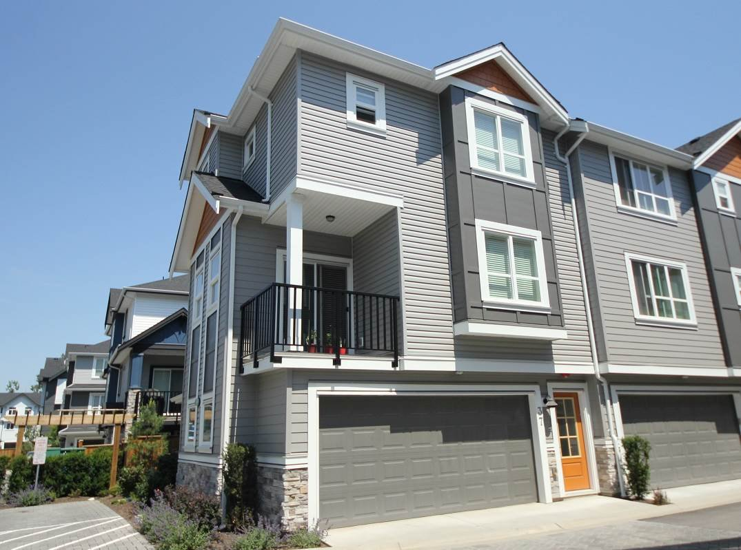 Main Photo: 37 20856 76 Avenue in Langley: Willoughby Heights Townhouse for sale : MLS®# R2323420