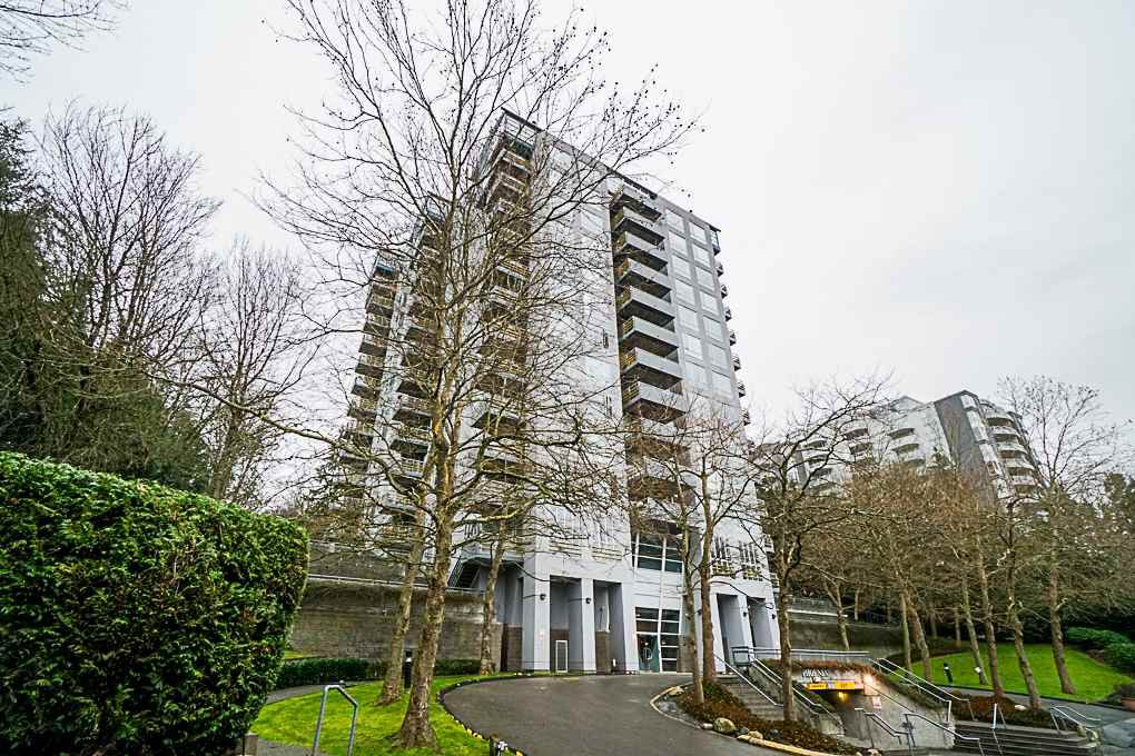 """Main Photo: 902 3061 E KENT NORTH Avenue in Vancouver: Fraserview VE Condo for sale in """"PHOENIX"""" (Vancouver East)  : MLS®# R2330993"""