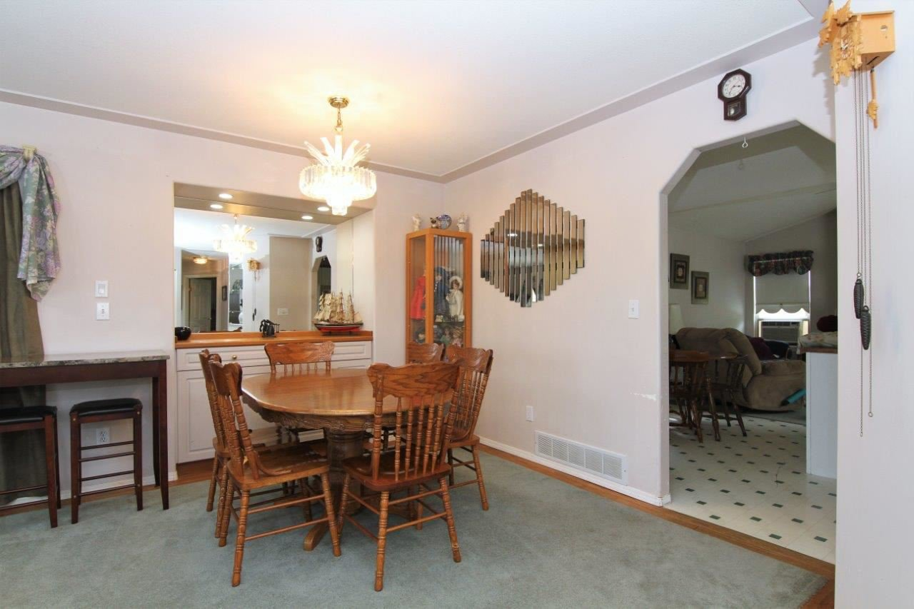 Photo 5: Photos: 8269 WHARTON Place in Mission: Mission BC House for sale : MLS®# R2372117